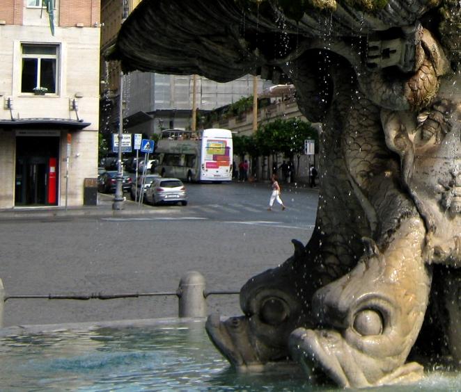 Piazza Barberini, 2011